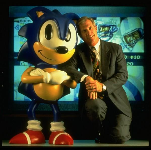 Tom Kalinske et son pote Sonic (source : engadget.com)