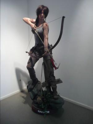 """Lara Croft est aussi sexy en statue taille """"réelle""""."""
