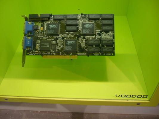 C'est avec la fameuse carte Voodoo que les PC sont devenus de vrais supports de jeu.